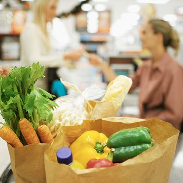 Vegetables-in-a-shopping-bag_web