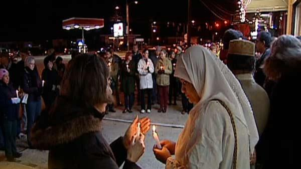 Prayer vigil held for slain restaurant owner