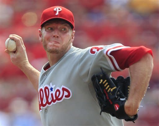 Phillies' power backs Halladay in win over Reds