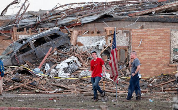 Witnesses describe deadly Oklahoma tornado: All you could hear were screams | The Lookout - Yahoo! News