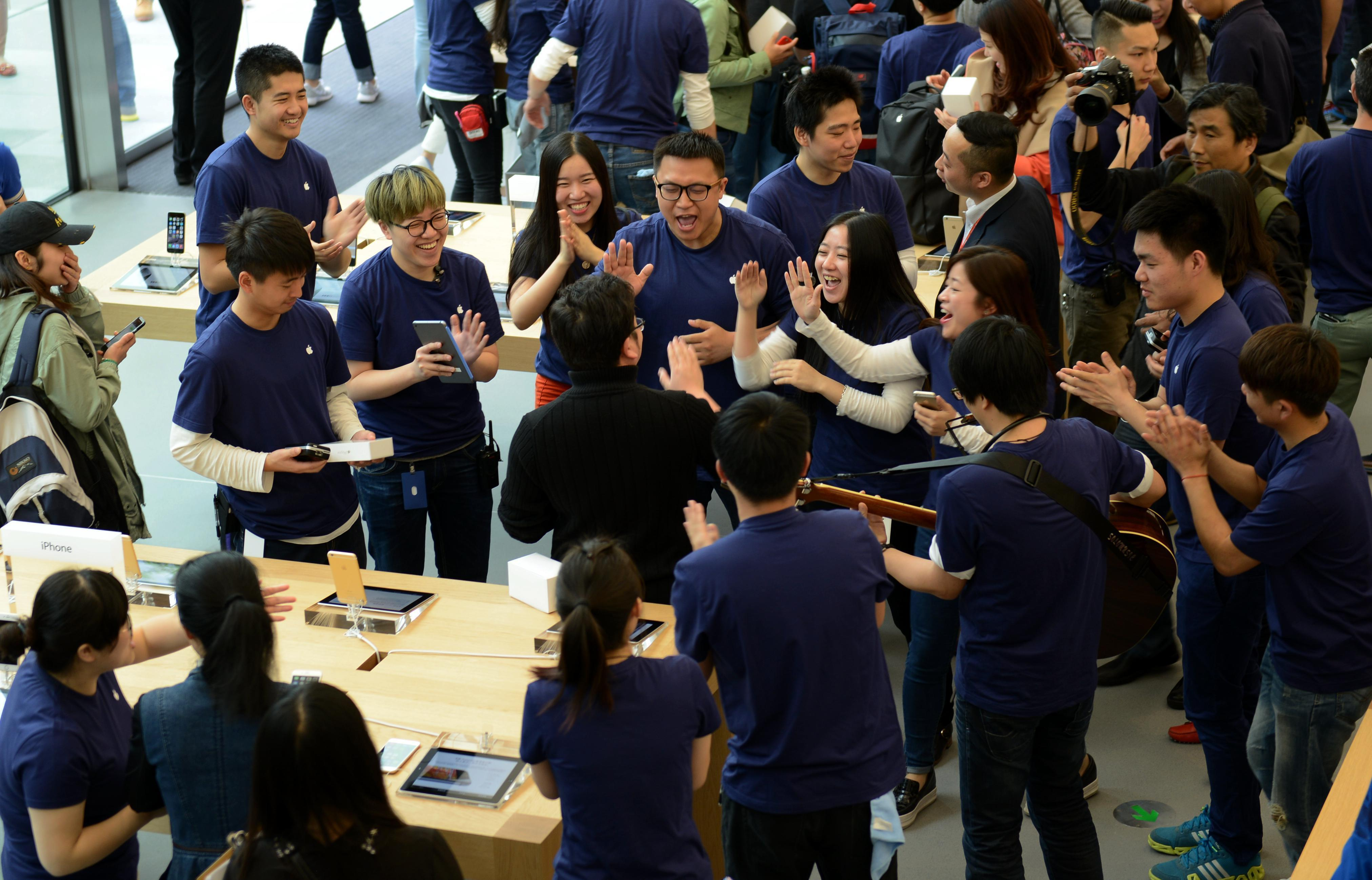 China passes US to become Apple's biggest iPhone market
