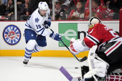 NHL Sunday: Maple Leafs float into Windy City
