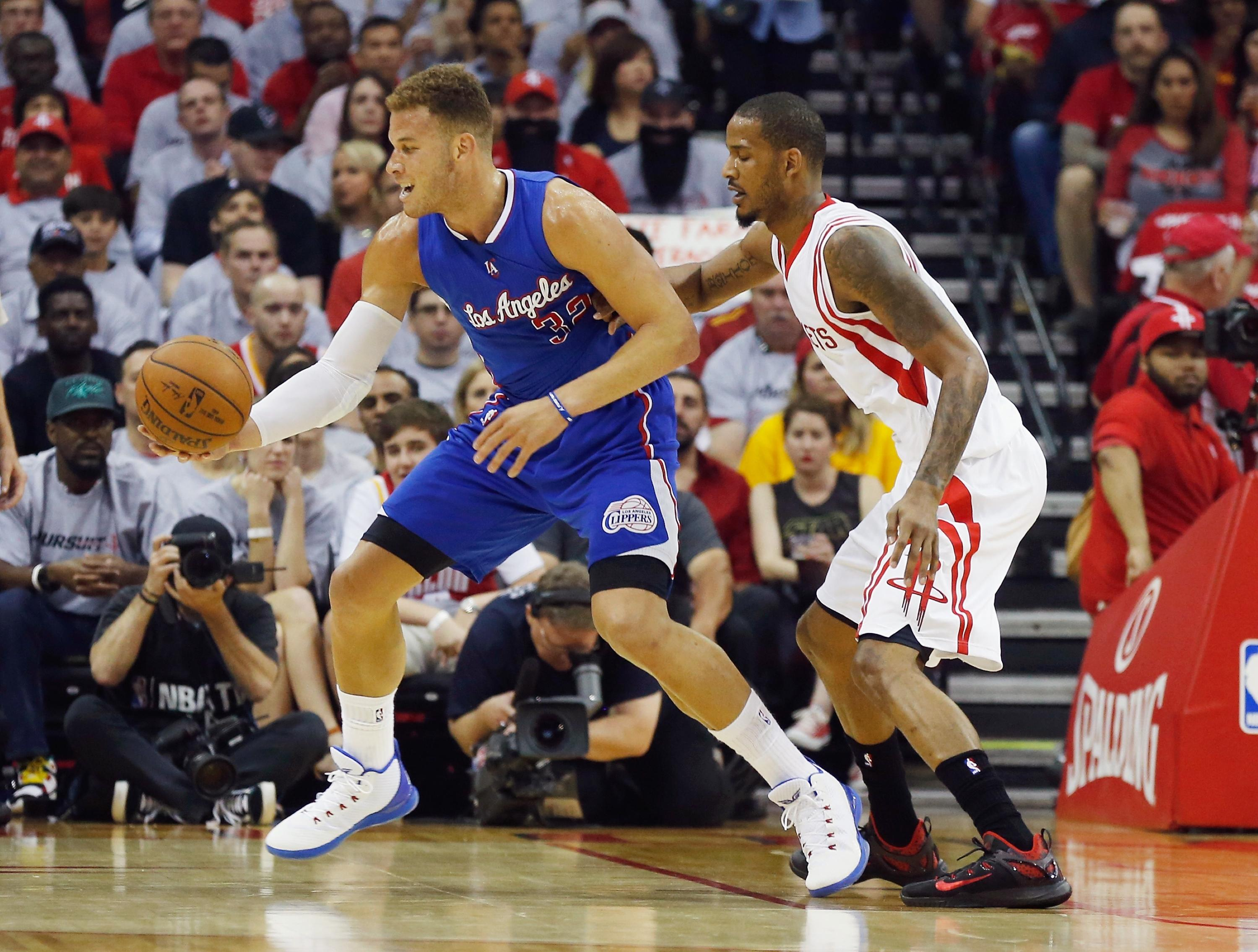 Clippers excel without CP3, steal Game 1 from disappointing Rockets