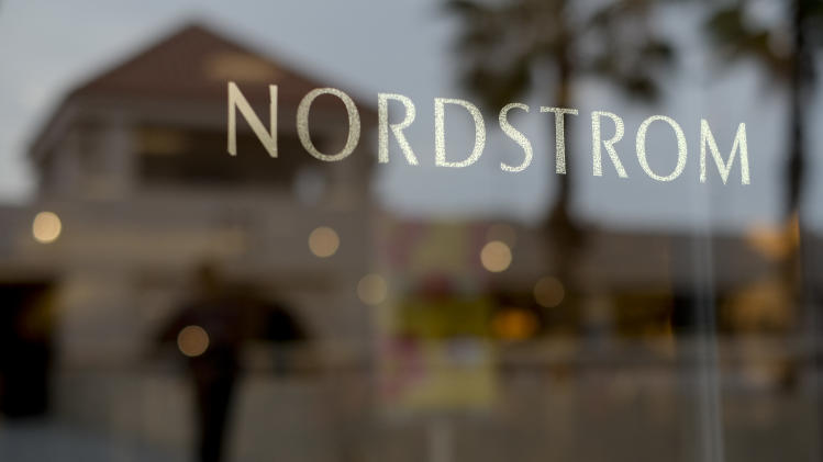 Nordstrom 1st quarter net income slips