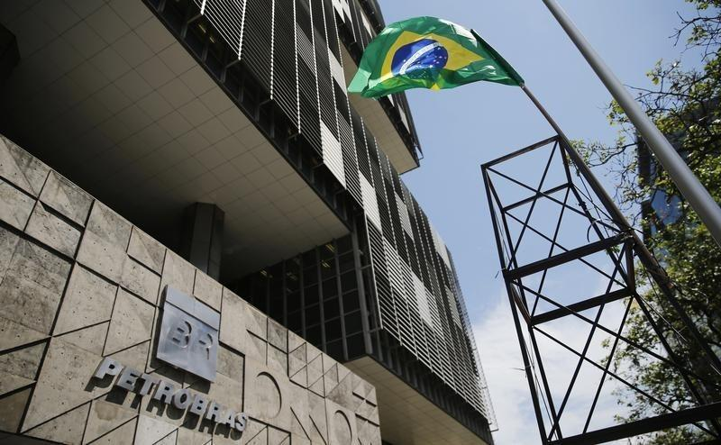 As Petrobras scandal spreads, economic toll mounts for Brazil