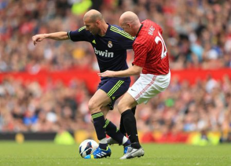 Soccer - Legends Friendly Match - Manchester United Legends v Real Madrid Legends - Old Trafford