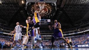 DirecTV Near Deal to Carry L.A. Lakers Games