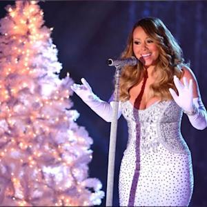 Mariah Carey & Michael Bublé Get Together For An AH-MAZING Duet Of All I Want For Christmas Is You!
