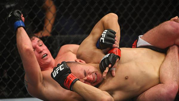 UFC 158 Victor Darren Elkins Steps Up to Keep Chad Mendes on UFC on Fox 7 Fight Card
