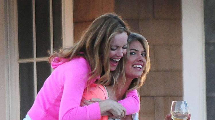 Stars On The Set Of 'The Other Woman
