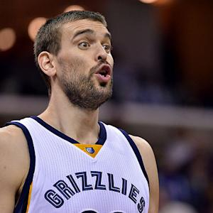 Grizzlies center Marc Gasol shows off his soccer skills