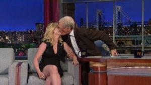 David Letterman Kisses Amy Poehler as Joe Biden Talk Sets the Mood (Video)