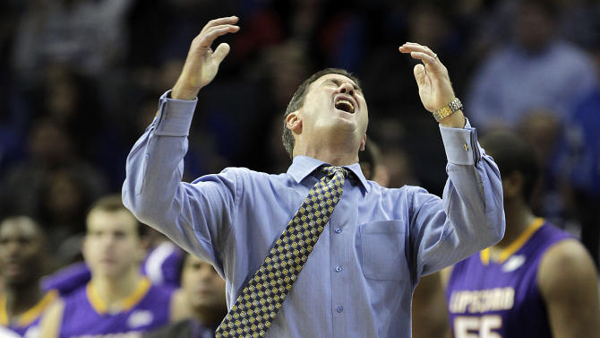 Lipscomb head coach Scott Sanderson reacts to a missed shot by his team in the second half of an NCAA college basketball game on Monday, Dec. 19, 2011, in Memphis, Tenn. Memphis won 85-75. (AP Photo/Lance Murphey)