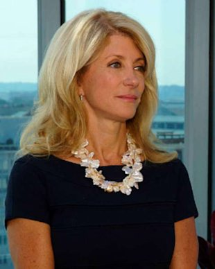 Wendy Davis' Daughters Defend their Mom in Touching Open Letters