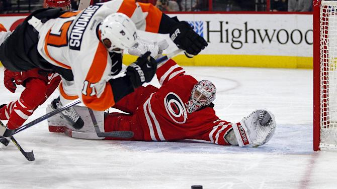 Staal, Malone lead Hurricanes past Flyers 2-1