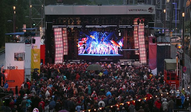 Spectators watch the final of the Eurovision Song Contest in Hamburg, northern Germany, on May 18, 2013