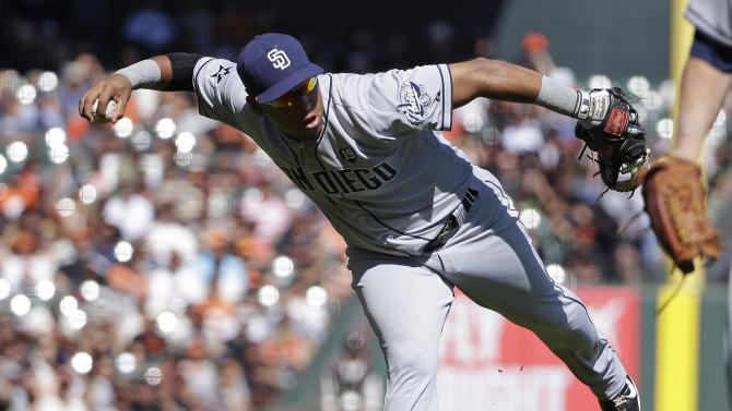 Crawford's single lifts Giants past Padres 3-1