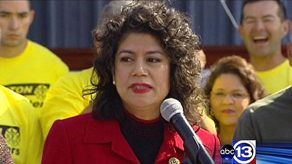 Alvarado announces her candidacy for Gallegos seat