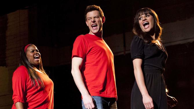 A fallen actor mourned in a 'Glee' tribute