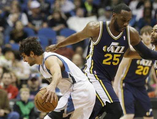 Jazz beat Wolves to keep playoff hopes alive