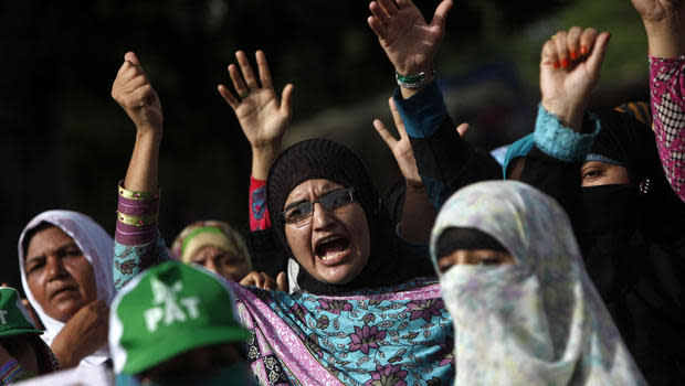 Large protests may trigger crackdown in Pakistan