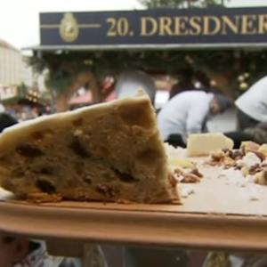 Giant Christmas cake weighs more than 9,000 lbs