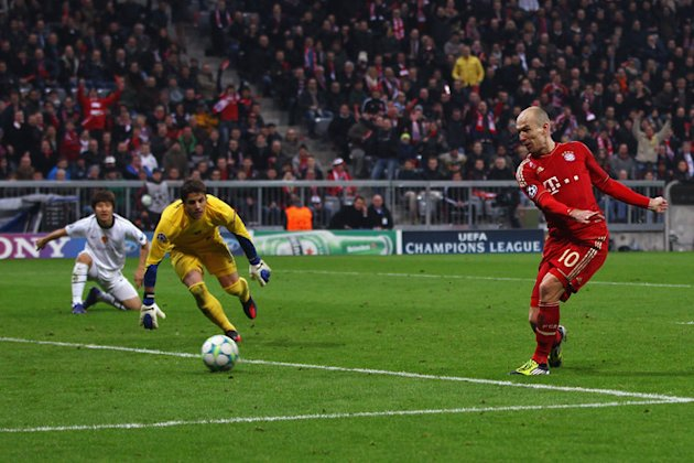Arjen Robben Of Muenchen Scores Bongarts/Getty Images