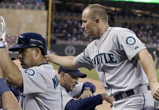 Iwakuma baffles Twins in Seattle's 3-0 victory