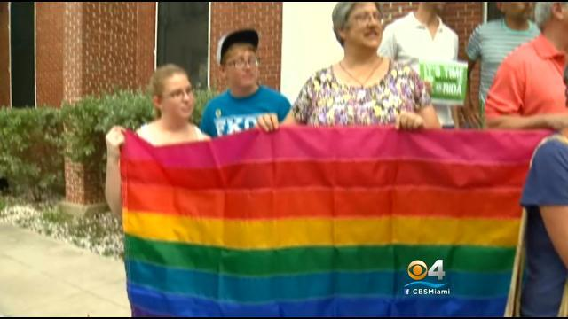 Florida asks Supreme Court to block gay marriage