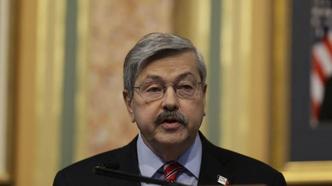 FILE - In this Jan. 15, 2013, file photo, Iowa Gov. Terry Branstad delivers the annual Condition of the State address before a joint session of the Iowa Legislature, at the Statehouse in Des Moines, Iowa. Republicans are struggling to recruit strong Senate candidates in states that present the party's best opportunities to reclaim the majority, a sign that the GOP's post-2012 soul searching may end up creeping into the midterm congressional elections. GOP top national Senate campaign strategists tried again, in vain it turns out, to persuade Branstad to run for Senate instead of seeking another gubernatorial term. (AP Photo/Charlie Neibergall, File)