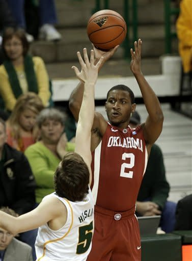 Oklahoma holds on for 74-71 Big 12 win at Baylor