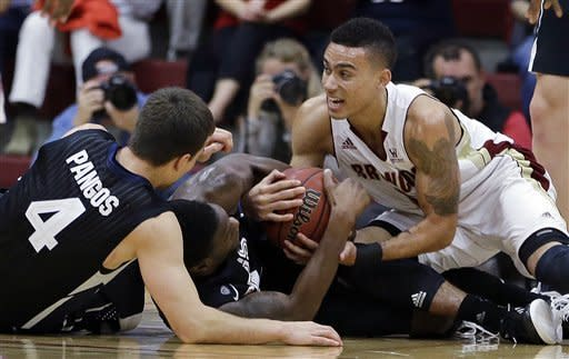No. 10 Gonzaga holds off Santa Clara 81-74