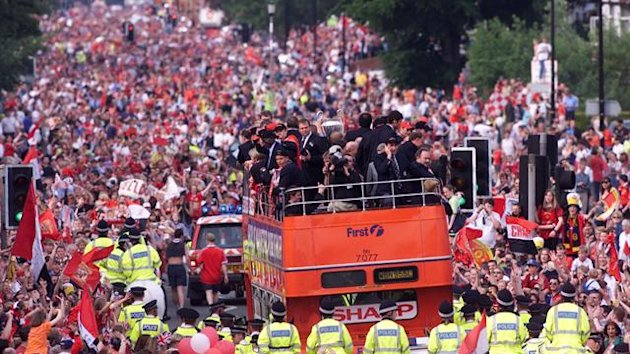 Manchester United's parade in 1999 (Reuters)
