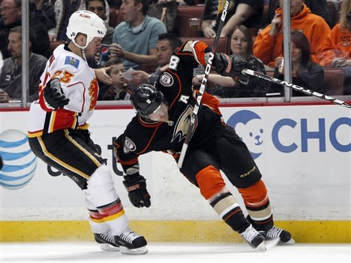 Ducks beat Flames 3-2 on late goal by Getzlaf
