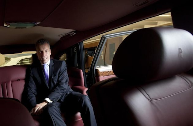 Rolls Royce Mulls Building Its First Suv Ceo Yahoo