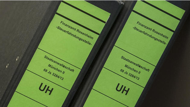 Case files are pictured during the continuation of the trial for tax evasion against Bayern Munich President Uli Hoeness at the regional court in Munich