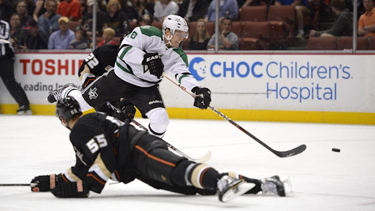 Dallas forward Ryan Garbutt suspended 5 games