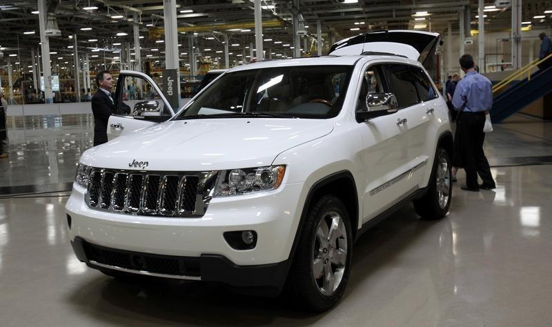 Fiat Chrysler says recalling 467,500 SUVs worldwide