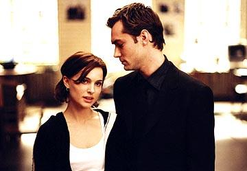 Natalie Portman and Jude Law in Columbia's Closer