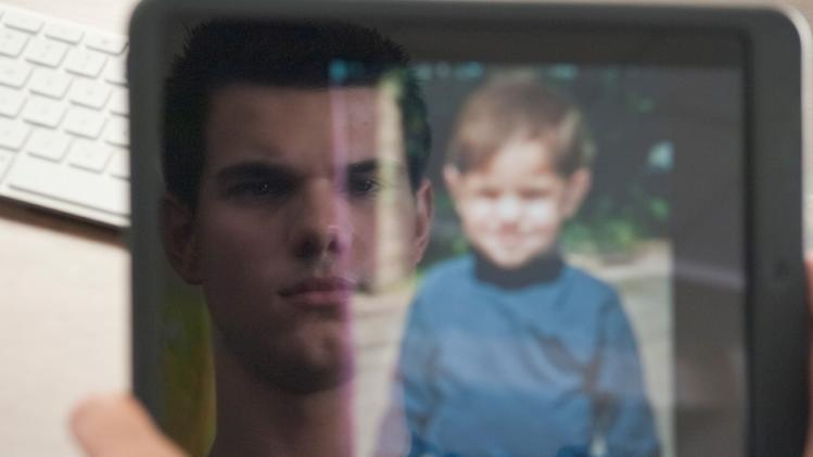 Abduction Lionsgate Exclusive Pictures 2011 Taylor Lautner