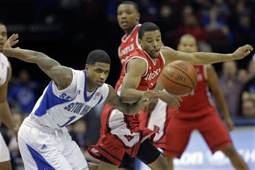 Mack scores 15 as Rutgers beats Seton Hall 56-51