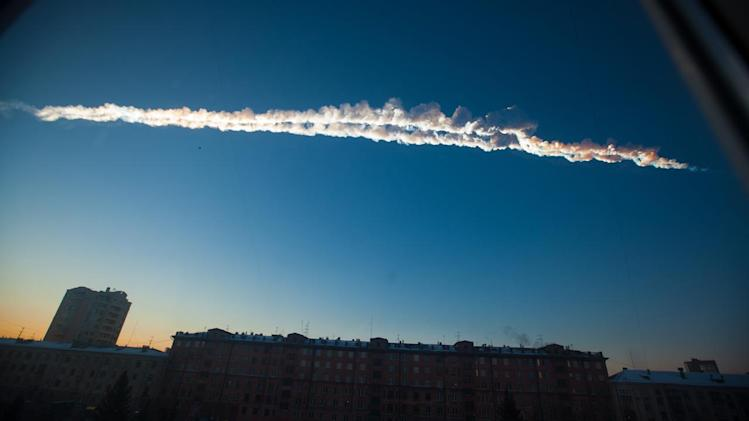 Meteor explodes above Russian city; 1,200+ hurt