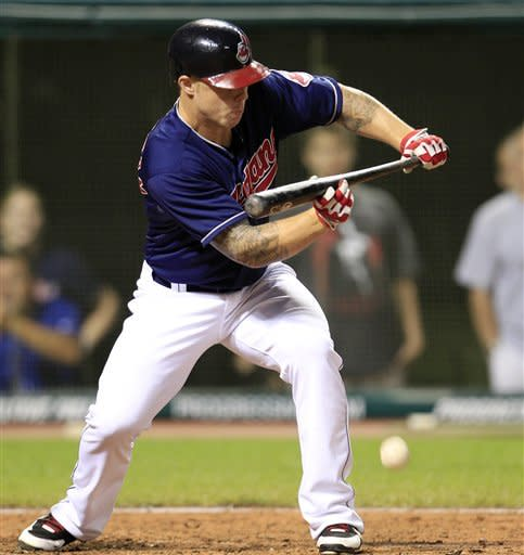 Indians top Tigers on squeeze bunt 3-2