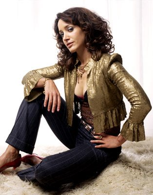 Jennifer Beals as Bette
