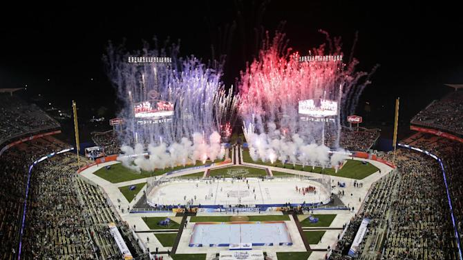 Ducks beat LA Kings 3-0 on Dodger Stadium ice