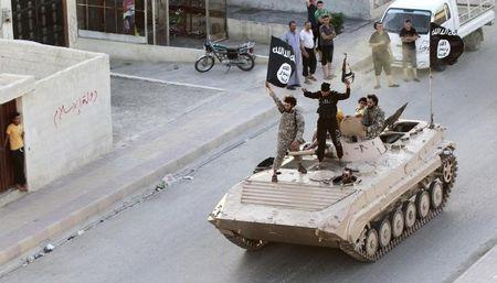 Islamic State urges jihad against Russians, Americans: audio
