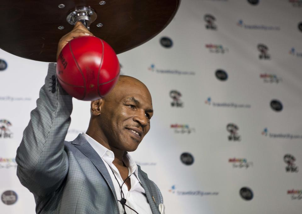 Tyson accused of poaching fighters by USA Boxing