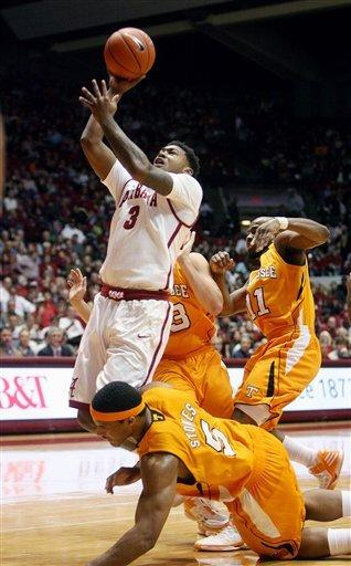 Lacey leads Alabama past Tennessee 62-50