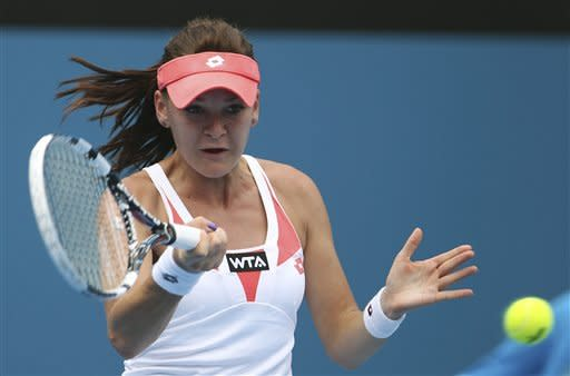 Radwanska wins 6th in row to advance in Sydney