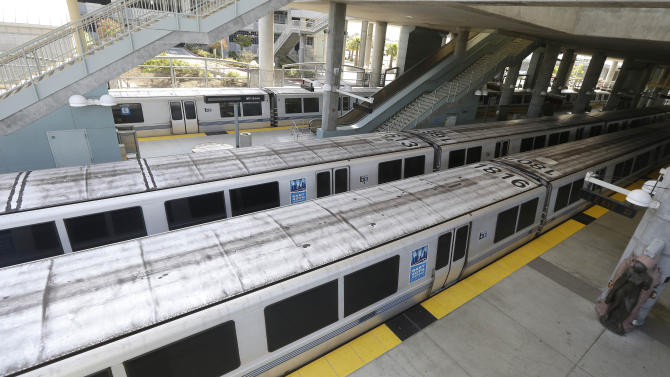 SF Bay Area commuter rail service resumes